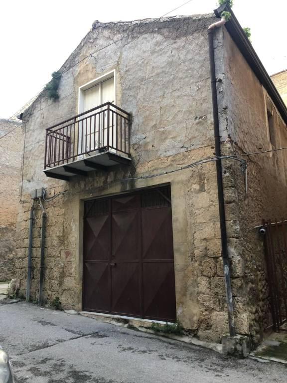 Casa indipendente con garage