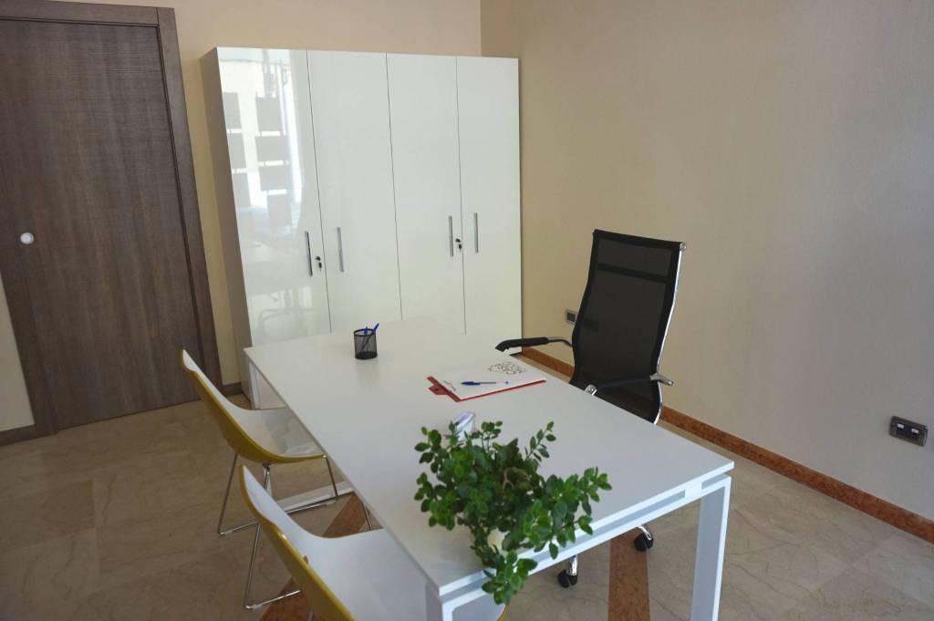 Ufficio / Studio in affitto a Ghedi, 1 locali, prezzo € 300 | CambioCasa.it