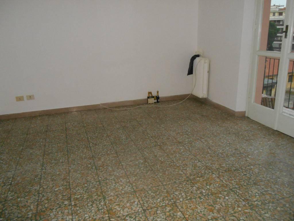 Ampio Appartamento in bel fabbricato con ascensore