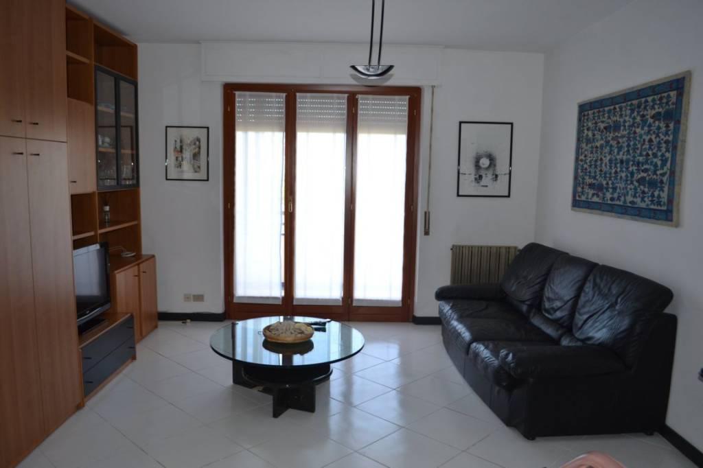 Appartamento in buone condizioni arredato in affitto Rif. 8745700