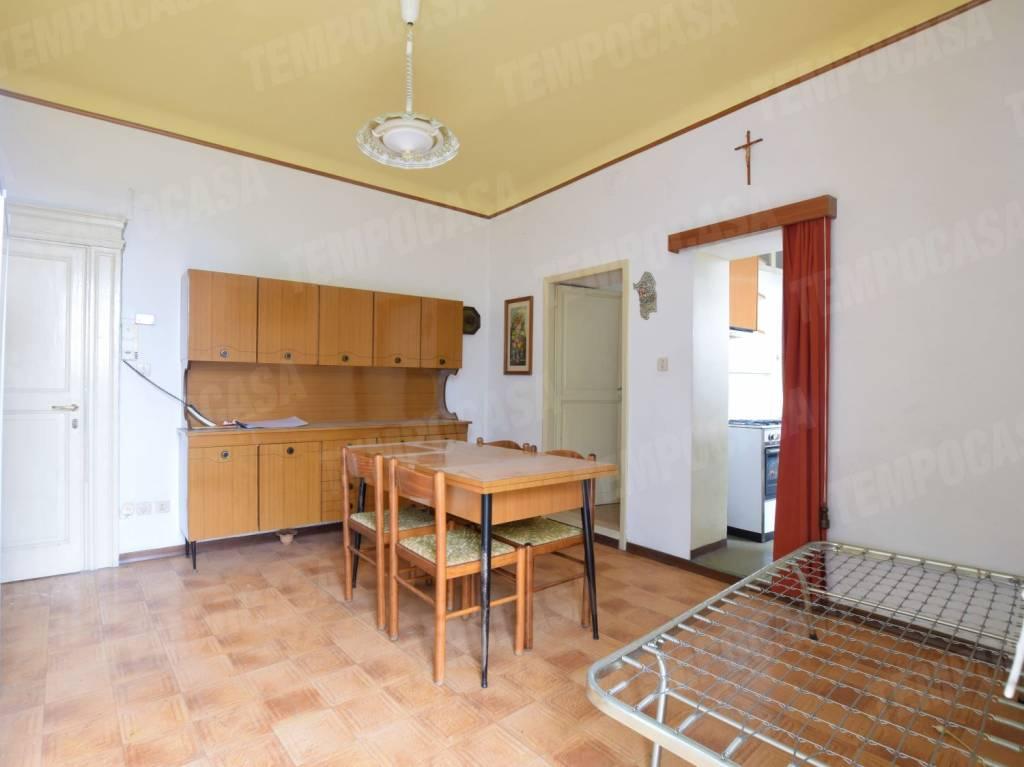 Appartamento in buone condizioni in vendita Rif. 8748539