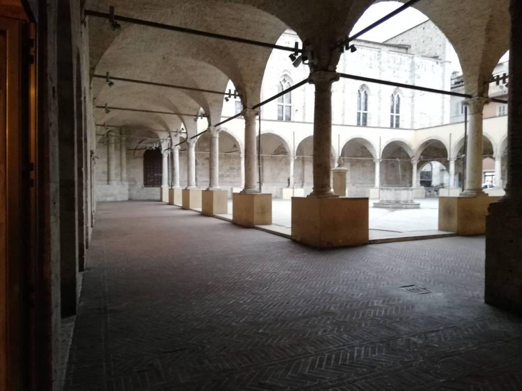 Negozio quadrilocale in affitto a Ascoli Piceno (AP)