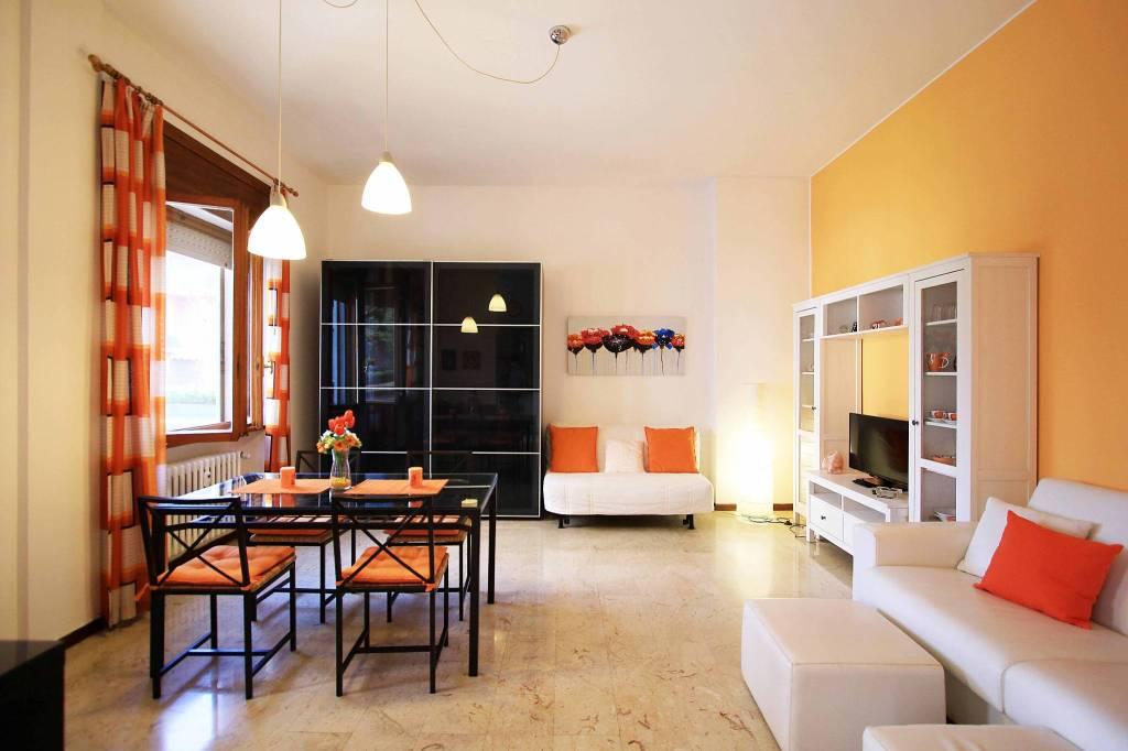 Appartamento in buone condizioni arredato in affitto Rif. 8744264