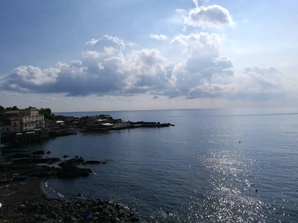 Capomulini. Mq 95 con splendida vista fronte mare e terrazzo