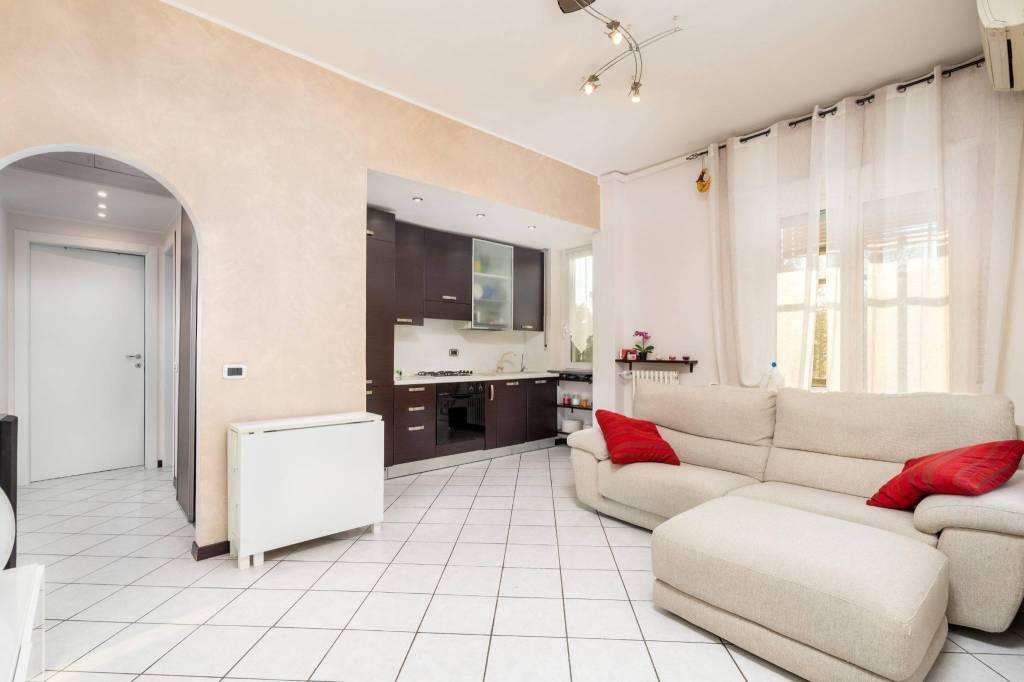 Appartamento in ottime condizioni parzialmente arredato in vendita Rif. 8756559
