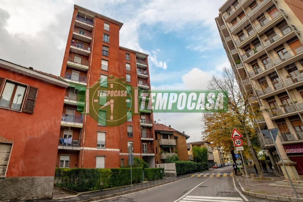 Appartamento in buone condizioni in vendita Rif. 8760584