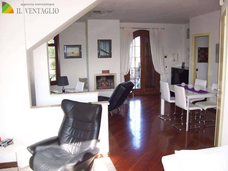 Villetta a schiera in ottime condizioni in vendita Rif. 7768954