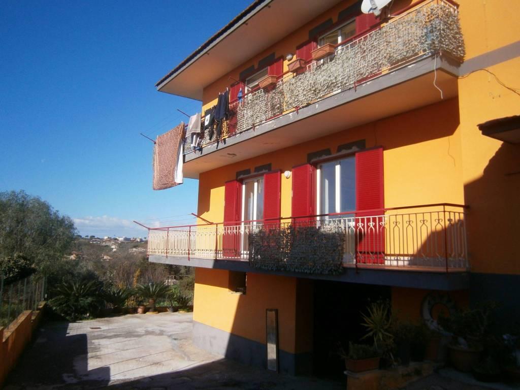 Appartamento in ottime condizioni in affitto Rif. 8759966