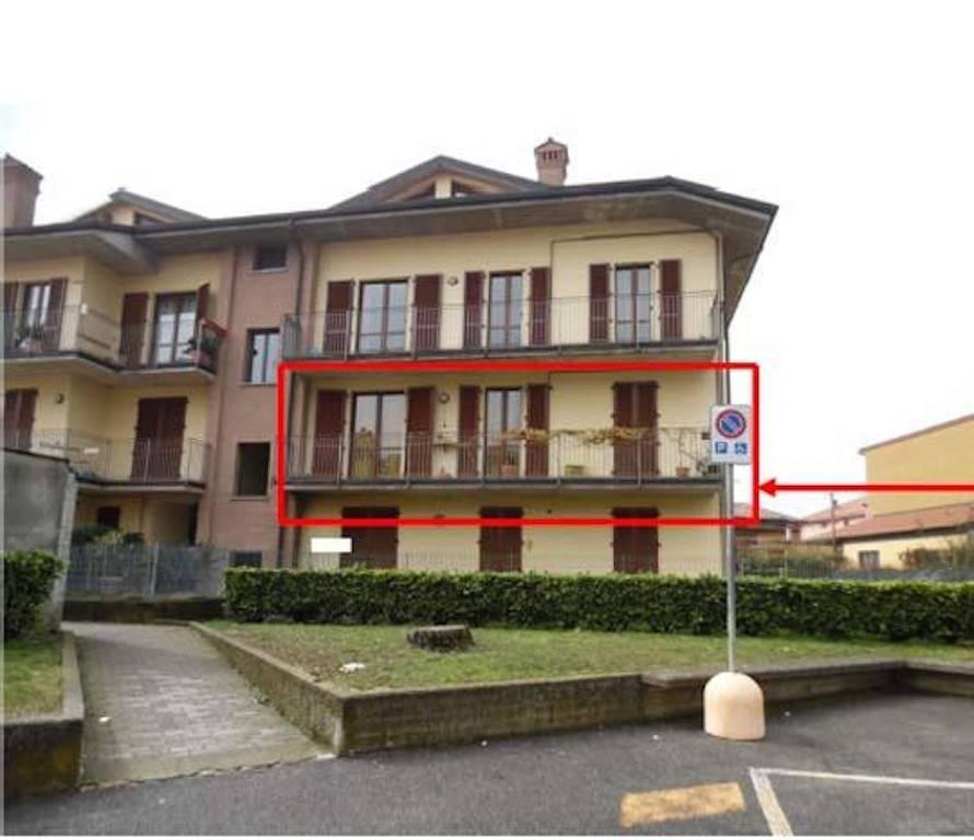 Appartamento in buone condizioni in vendita Rif. 8756650