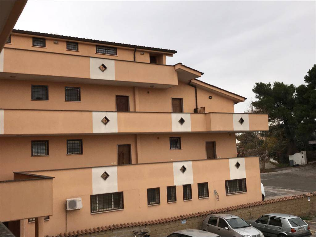 NUOVA FLORIDA PC746 Appartemento con balcone e posto auto