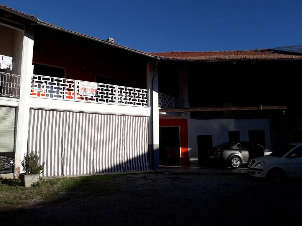 Casa Indipendente in buone condizioni in vendita Rif. 8323647