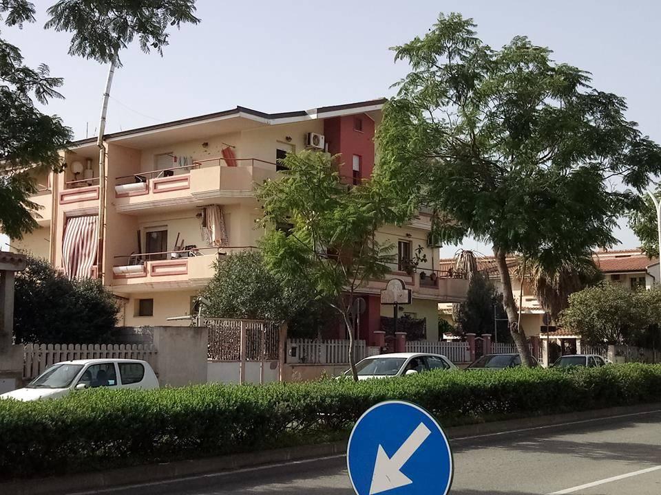 Appartamento in ottime condizioni arredato in vendita Rif. 8762336