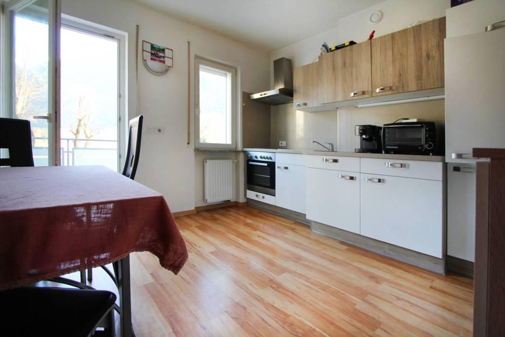 Appartamento in ottime condizioni parzialmente arredato in vendita Rif. 7184978