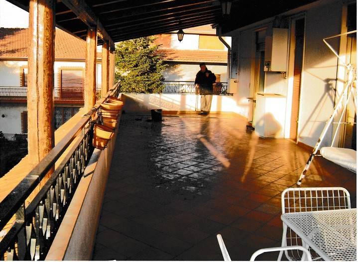 Appartamento in buone condizioni parzialmente arredato in vendita Rif. 7450506