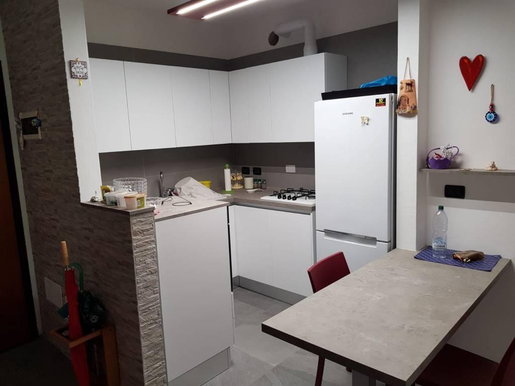 Appartamento in ottime condizioni in vendita Rif. 8760555