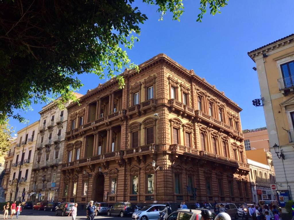 Ufficio-studio in Affitto a Catania Centro: 4 locali, 115 mq