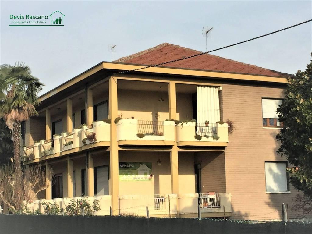 Foto 1 di Appartamento via Circonvallazione 48, Mathi