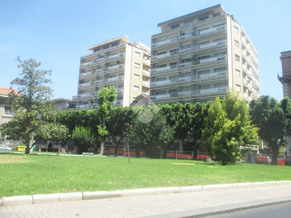 Appartamento in buone condizioni in vendita Rif. 9468265