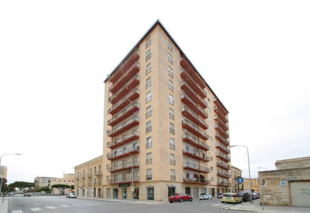 Appartamento in ottime condizioni in vendita Rif. 9161956