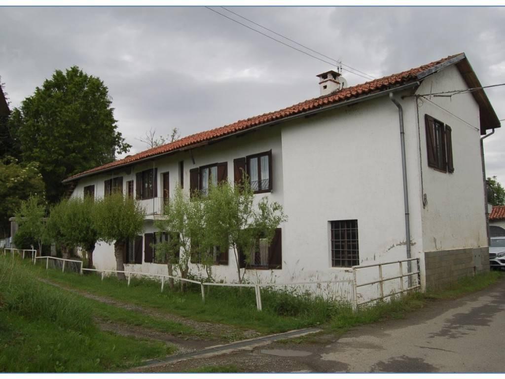 Villa in buone condizioni in vendita Rif. 8816186