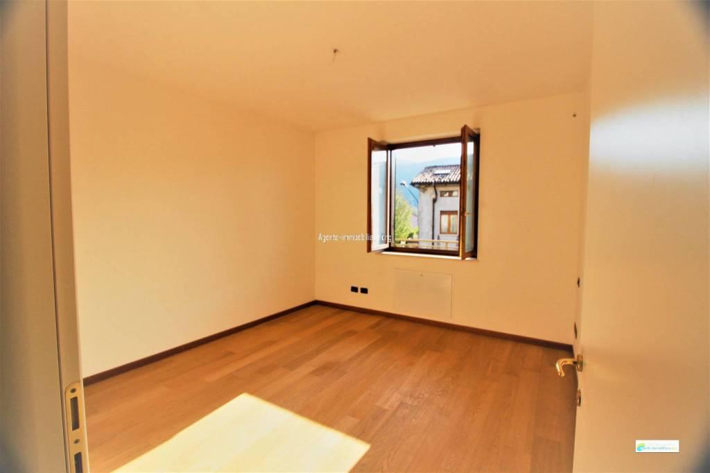 Appartamento in ottime condizioni in vendita Rif. 8611272
