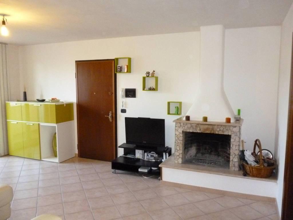 Appartamento arredato in affitto Rif. 8744045