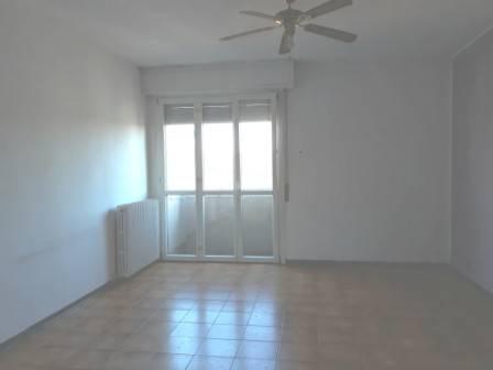 Appartamento da ristrutturare in vendita Rif. 8760020