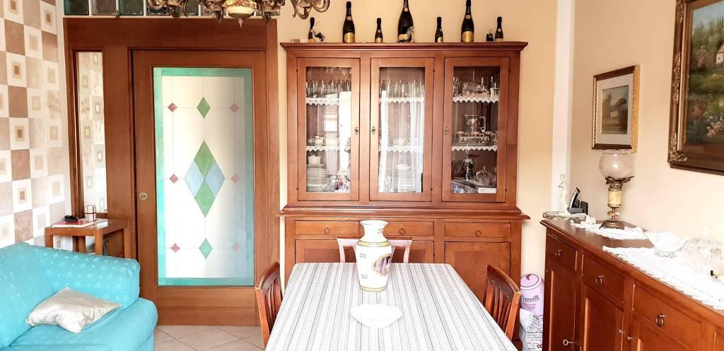 Appartamento in ottime condizioni parzialmente arredato in vendita Rif. 8762087