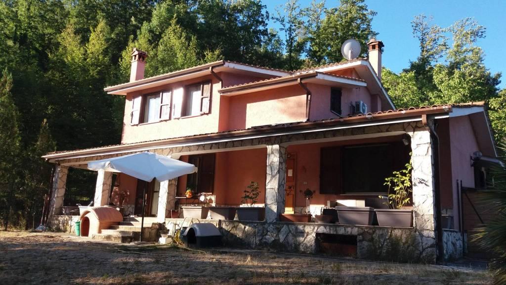 Villa in buone condizioni in vendita Rif. 8756554