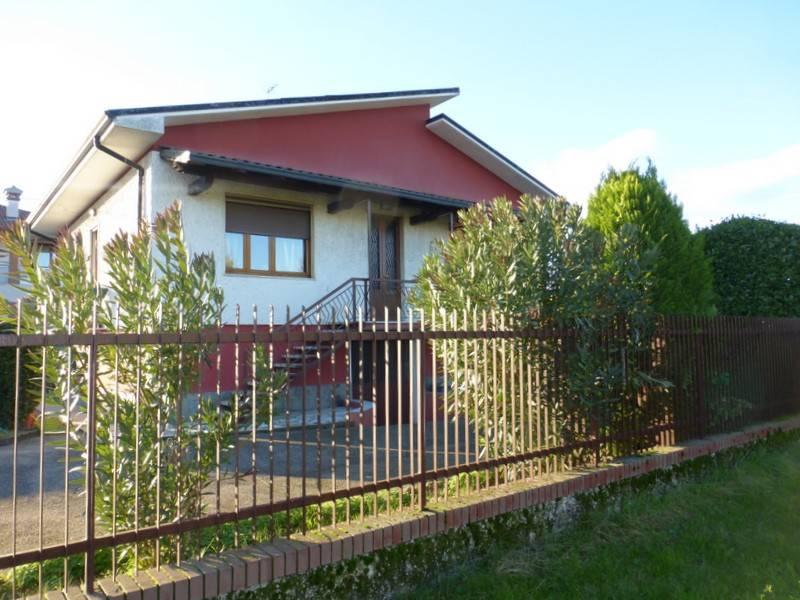Villa in buone condizioni in vendita Rif. 9159084