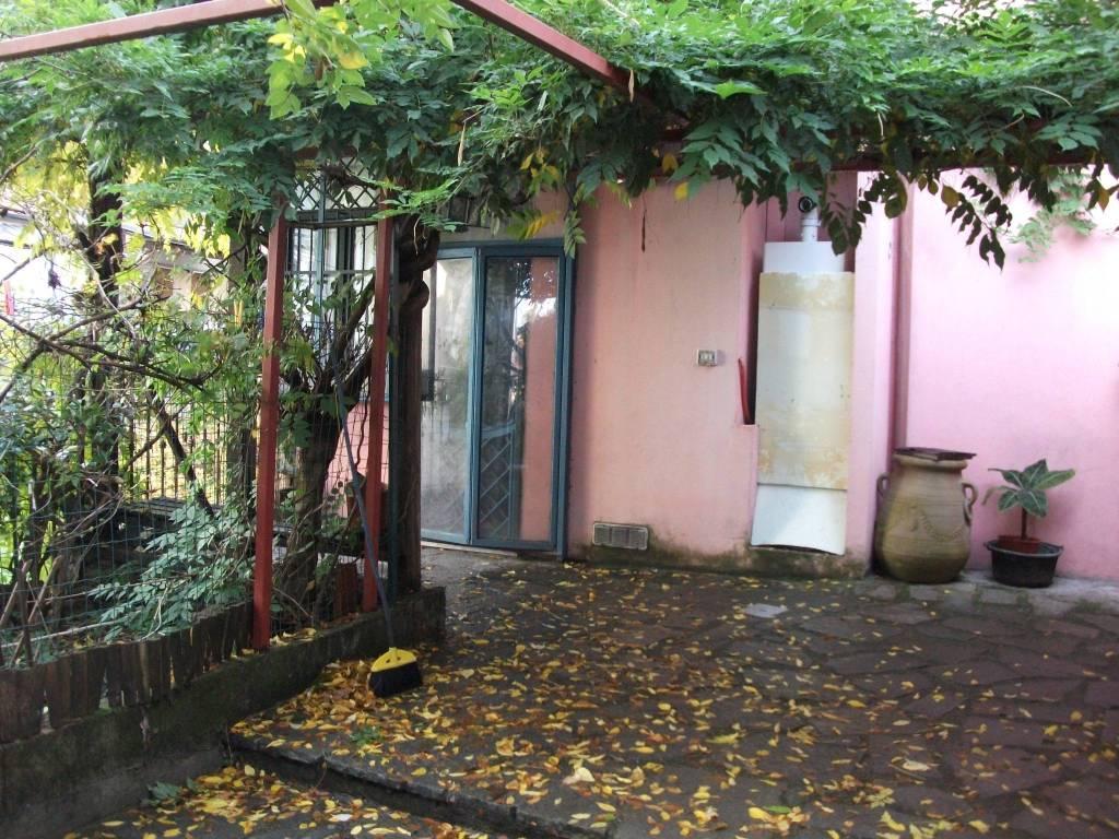 Foto 1 di Villa corso Luigi Kossuth 49/17, Torino (zona Precollina, Collina)