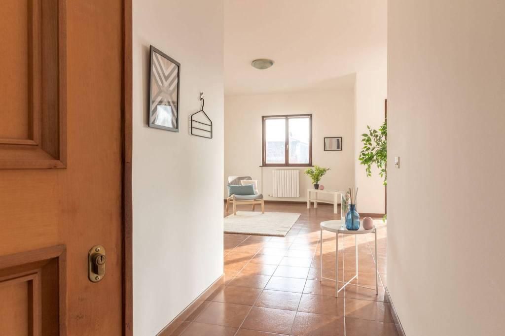 Appartamento in buone condizioni in vendita Rif. 4439331