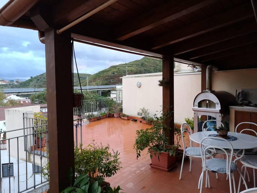 Attico con terrazzo, Messina centro c/o svincolo