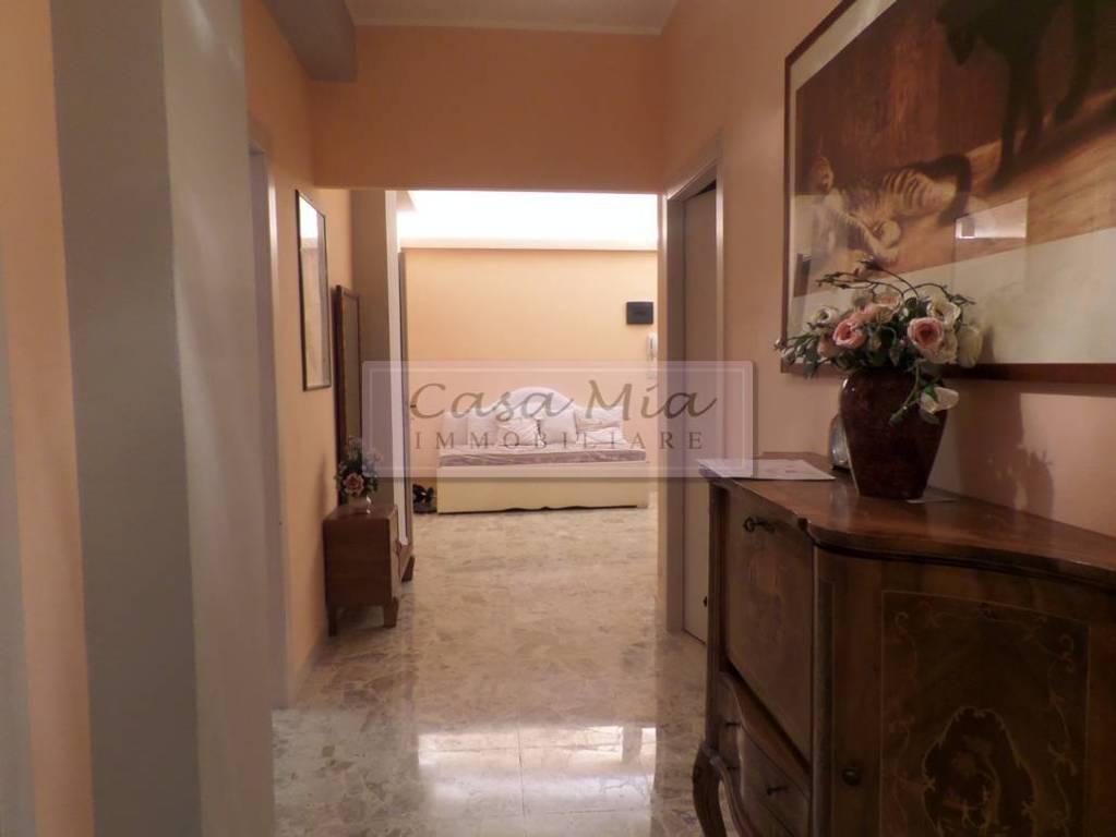 Appartamento in ottime condizioni parzialmente arredato in vendita Rif. 8761106