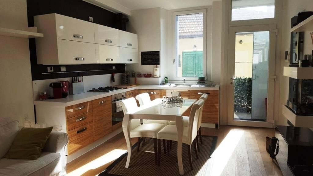 Appartamento in ottime condizioni arredato in affitto Rif. 9488194