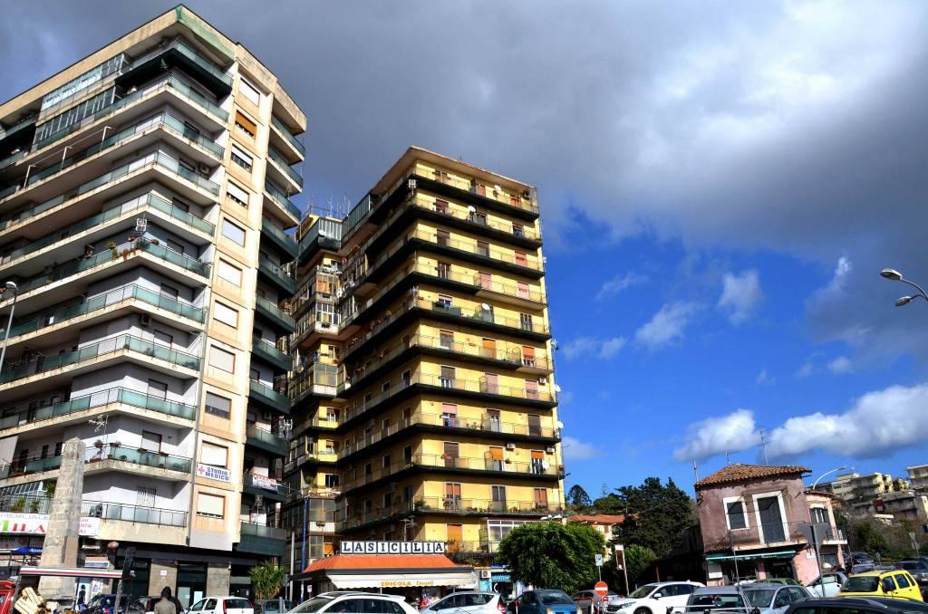 Appartamento in buone condizioni in vendita Rif. 8758770