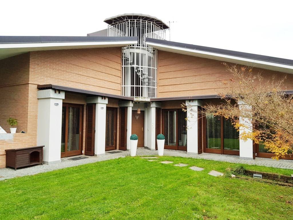 Villa in ottime condizioni in vendita Rif. 8759903