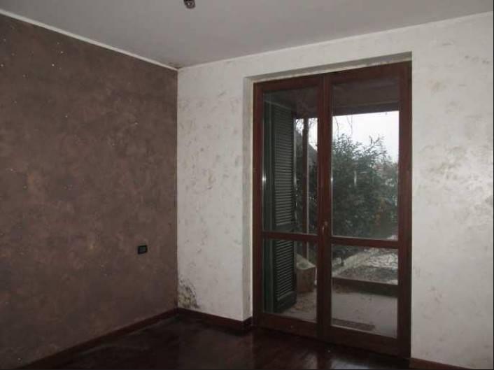 Appartamento in buone condizioni in vendita Rif. 8762411