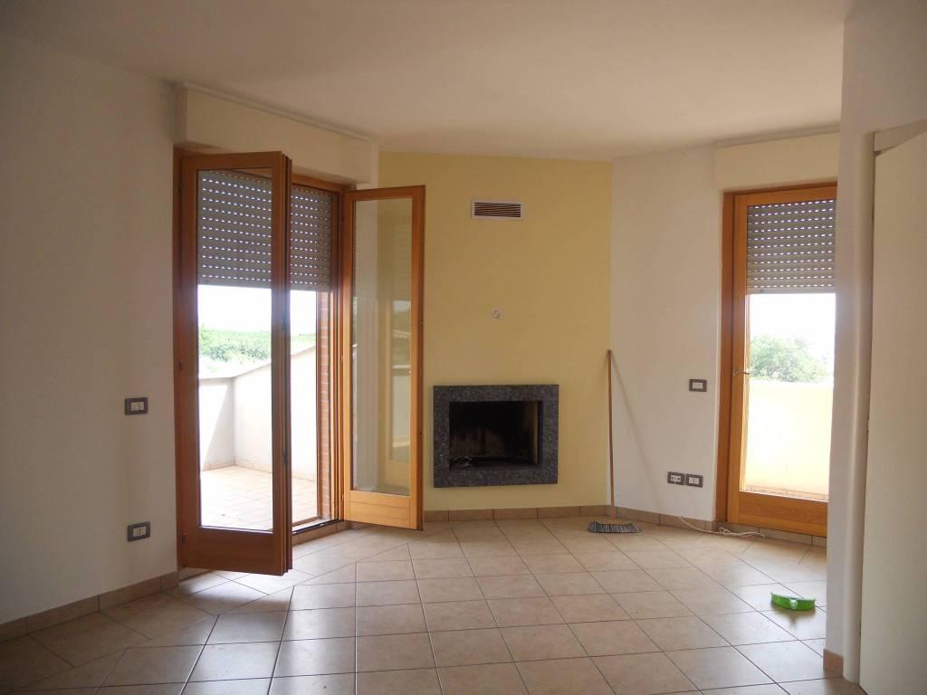 Appartamento in ottime condizioni in vendita Rif. 8758312