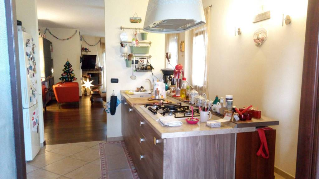 Appartamento in ottime condizioni in vendita Rif. 8757186