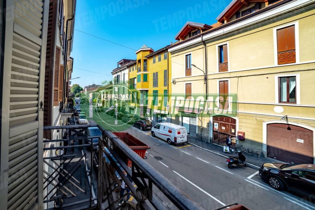 Appartamento in ottime condizioni in vendita Rif. 8831703