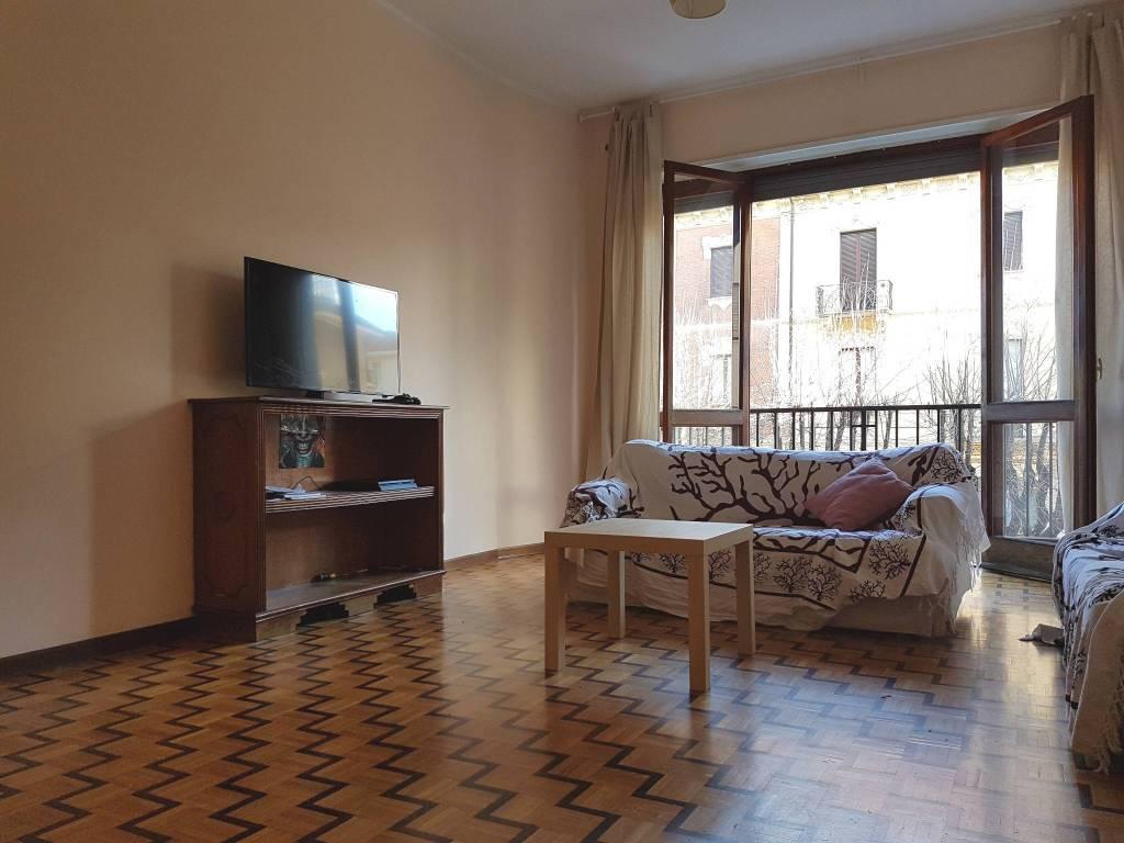 Appartamento in buone condizioni parzialmente arredato in vendita Rif. 8776254