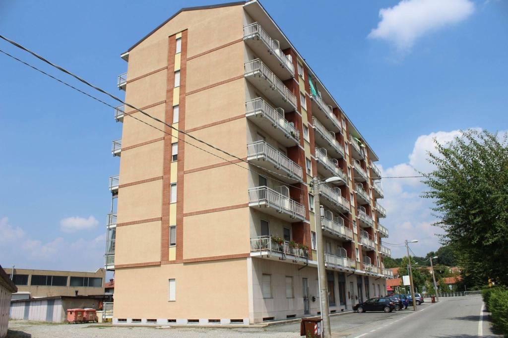 Foto 1 di Trilocale viale Camillo Olivetti, Agliè