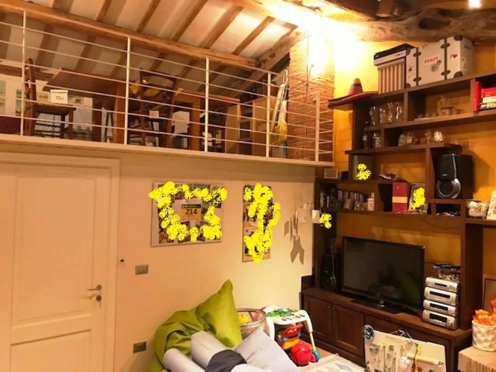 Appartamento in ottime condizioni in vendita Rif. 8778067