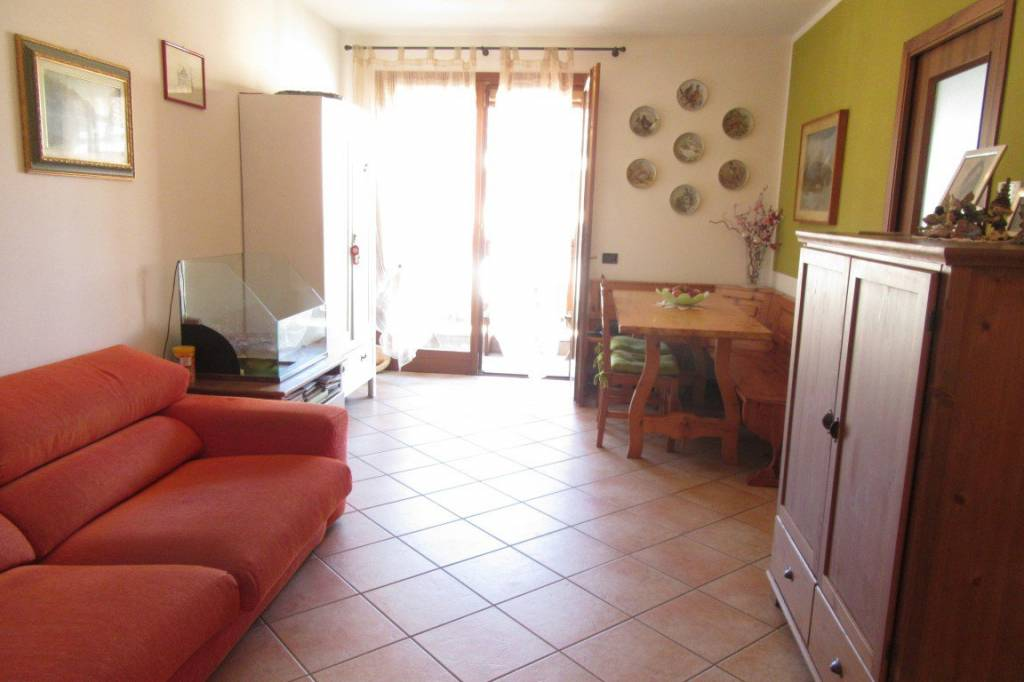 Appartamento in ottime condizioni in vendita Rif. 8778108