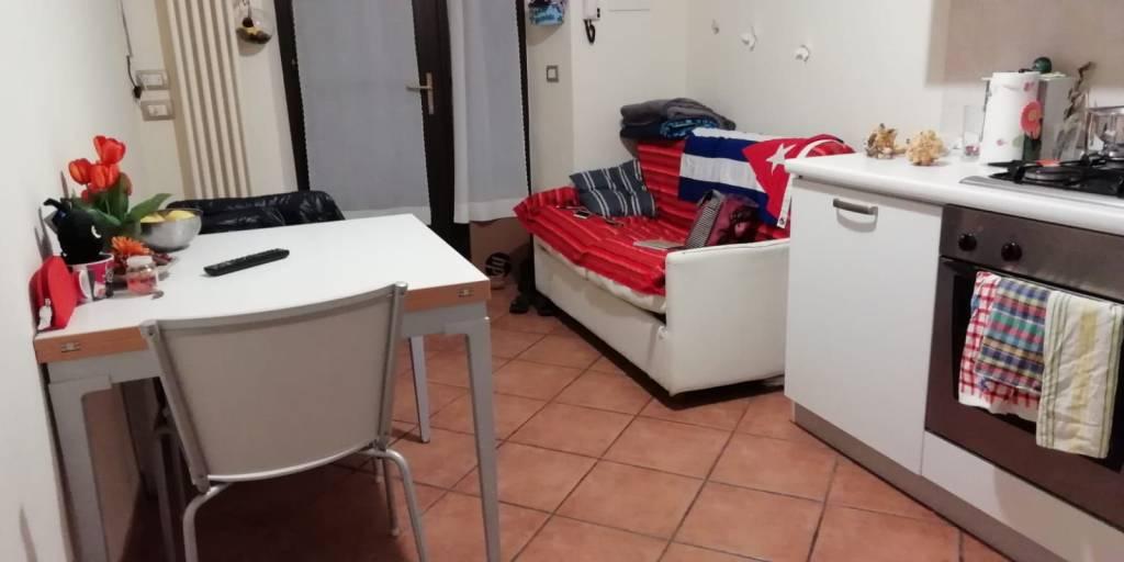 Appartamento in ottime condizioni arredato in affitto Rif. 8777647
