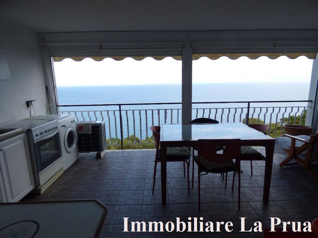 Appartamento in vendita a Cervo, 5 locali, prezzo € 340.000 | CambioCasa.it