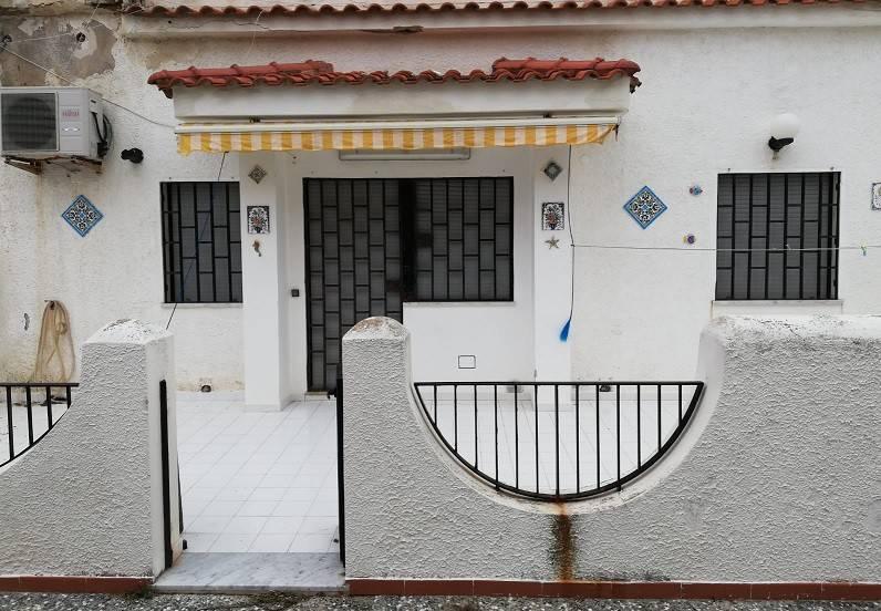 Appartamento in buone condizioni in vendita Rif. 8775590