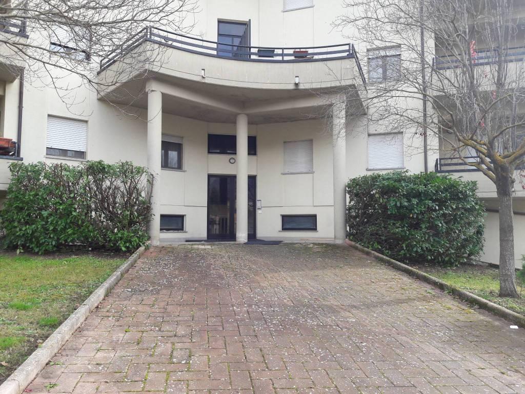 Appartamento in ottime condizioni in vendita Rif. 8778903