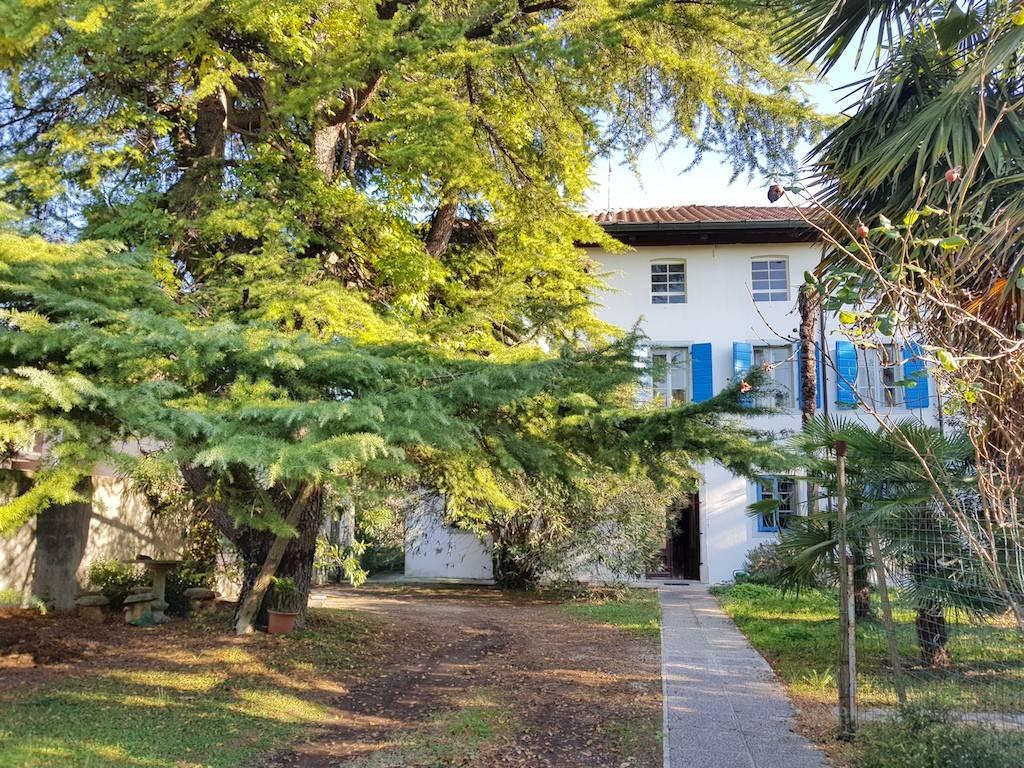 Villa in vendita a Pozzuolo del Friuli, 9 locali, prezzo € 238.000 | CambioCasa.it